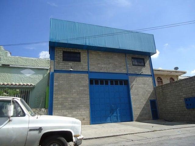 Galpon - Deposito En Venta En Caracas - Los Rosales Código FLEX: 17-10860 No.2