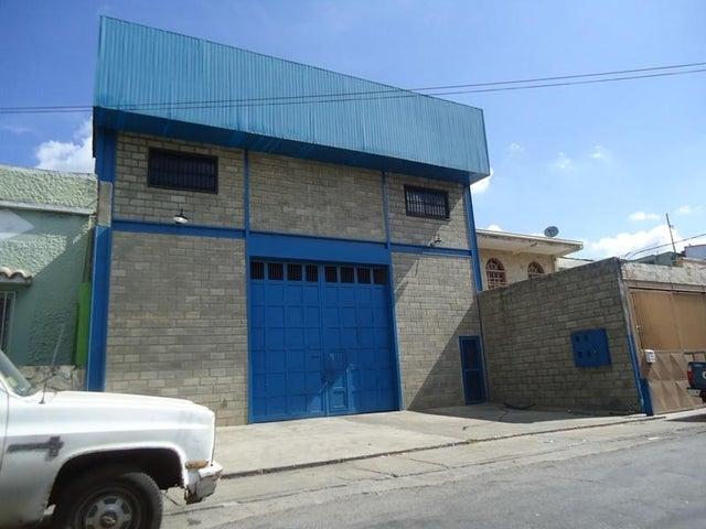 Galpon - Deposito En Venta En Caracas - Los Rosales Código FLEX: 17-10860 No.3
