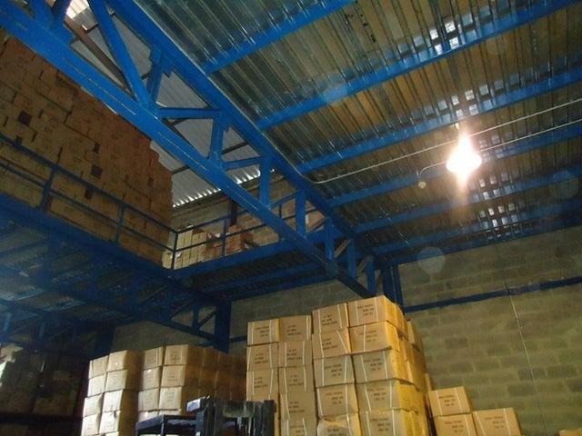 Galpon - Deposito En Venta En Caracas - Los Rosales Código FLEX: 17-10860 No.14
