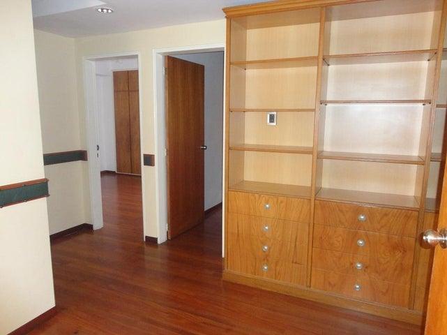Apartamento En Alquiler En Caracas - La Lagunita Country Club Código FLEX: 17-11176 No.10