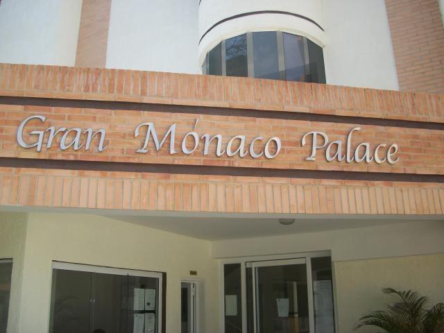 Apartamento En Venta En Valencia En Campo Alegre - Código: 17-11339