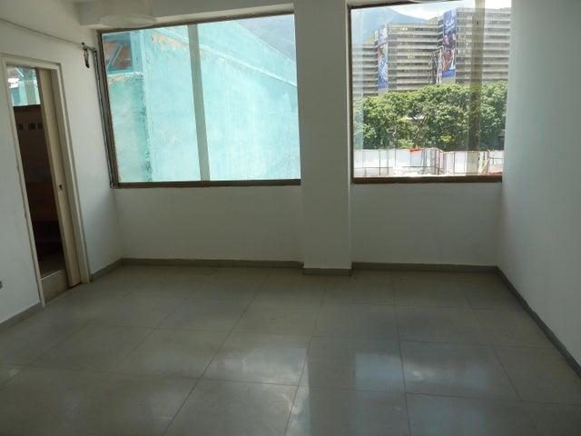 Oficina En Venta En Caracas - Las Mercedes Código FLEX: 15-12156 No.4