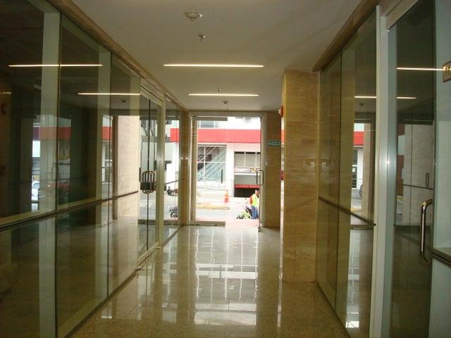 En Alquiler En Caracas - Las Mercedes Código FLEX: 17-12816 No.1