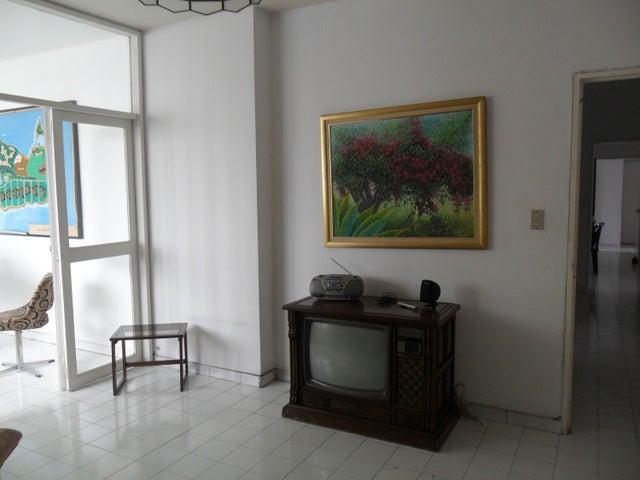 Apartamento En Venta En Caracas - Altamira Código FLEX: 17-13155 No.6