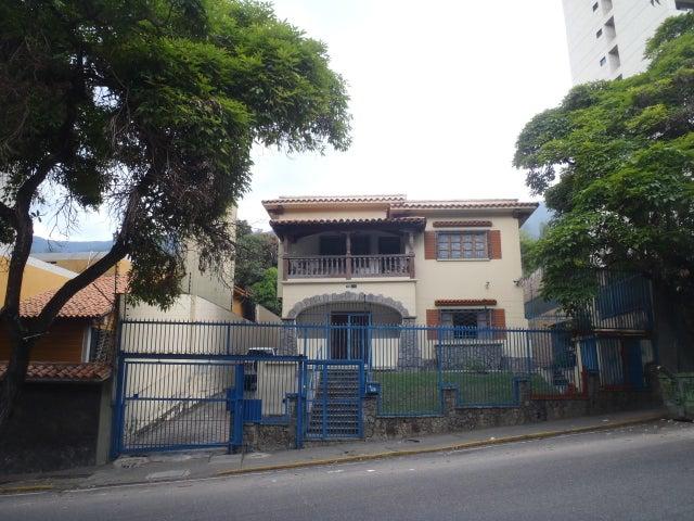 Casa En Venta En Caracas - San Bernardino Código FLEX: 17-13557 No.0