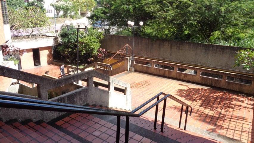 En Venta En Caracas - Lomas del Avila Código FLEX: 17-13744 No.16
