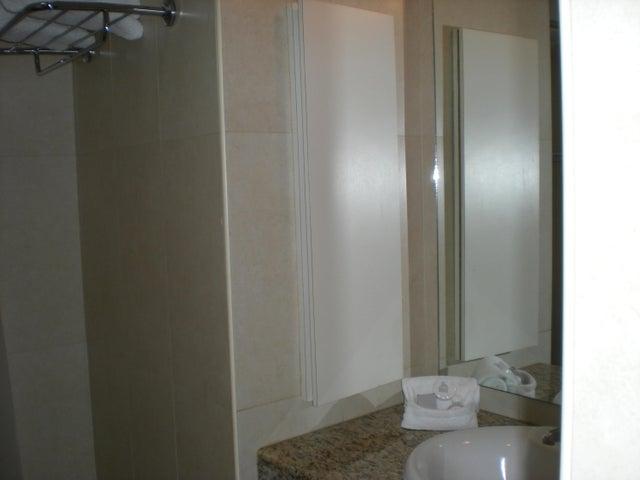 Apartamento En Venta En Caracas - Los Palos Grandes Código FLEX: 17-13853 No.7