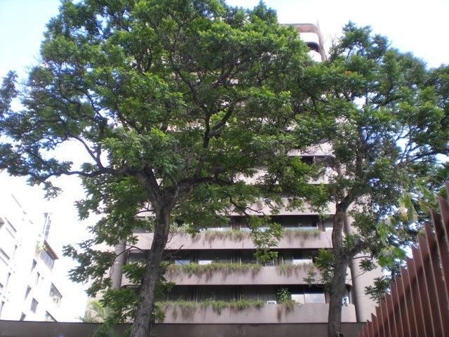 Apartamento En Venta En Caracas - Los Palos Grandes Código FLEX: 17-13853 No.0