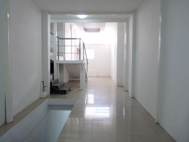 Casa En Venta En Caracas - Mariperez Código FLEX: 17-13971 No.1