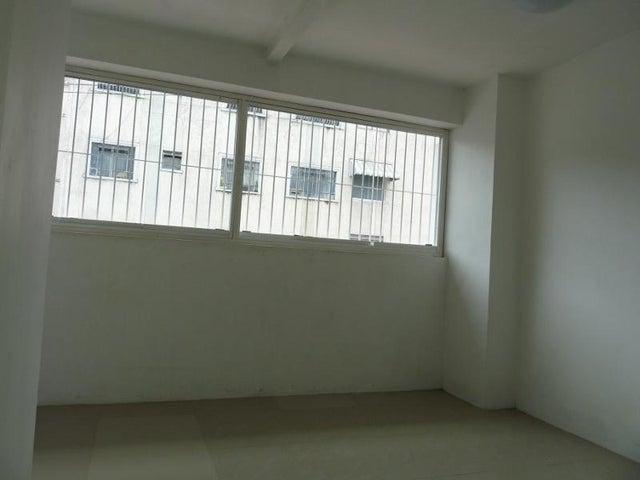 Casa En Venta En Caracas - Mariperez Código FLEX: 17-13971 No.6