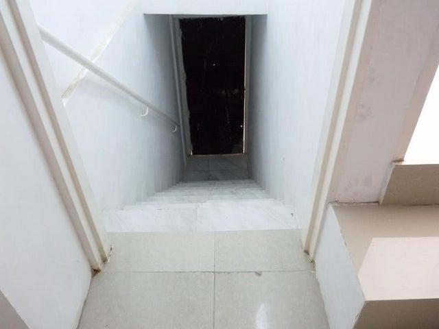 Casa En Venta En Caracas - Mariperez Código FLEX: 17-13971 No.8