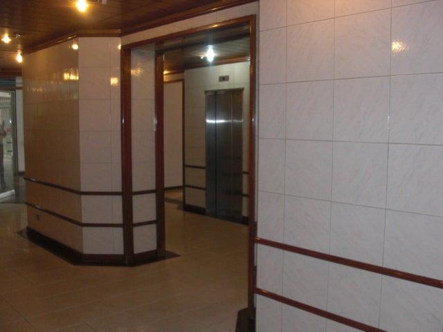 Apartamento En Venta En Caracas - Las Delicias de Sabana Grande Código FLEX: 17-14058 No.1