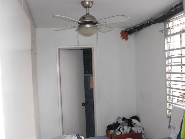 Apartamento En Venta En Caracas - Las Delicias de Sabana Grande Código FLEX: 17-14058 No.12