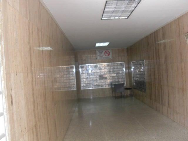 Apartamento En Venta En Caracas - Parroquia La Candelaria Código FLEX: 17-14906 No.1