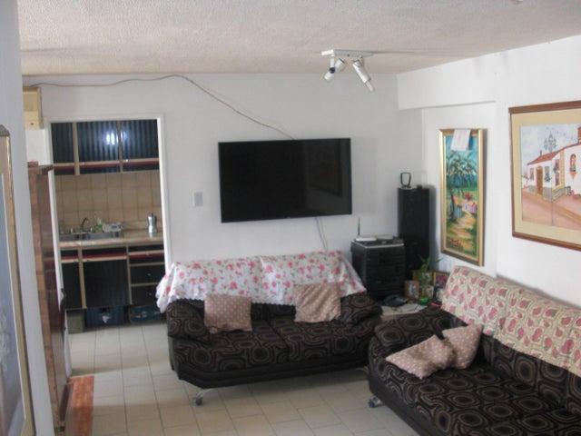 Apartamento En Venta En Caracas - Parroquia La Candelaria Código FLEX: 17-14906 No.5