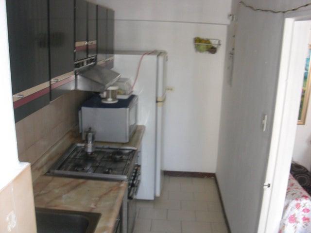 Apartamento En Venta En Caracas - Parroquia La Candelaria Código FLEX: 17-14906 No.9