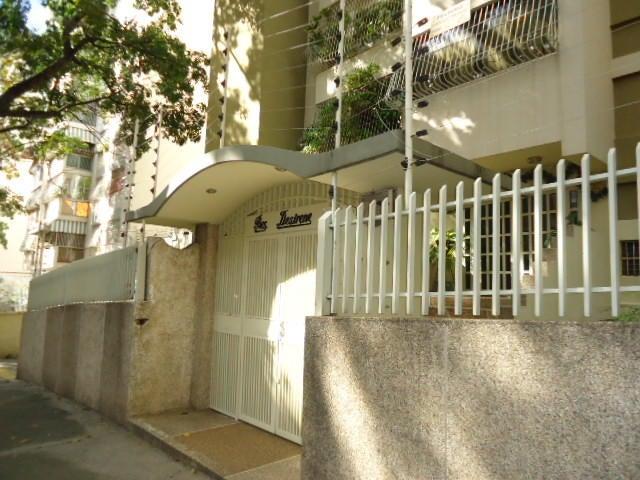 Apartamento En Venta En Caracas - Los Caobos Código FLEX: 17-15421 No.1