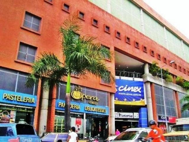 Negocio o Empresa En Venta En Caracas - Las Acacias Código FLEX: 17-15500 No.1