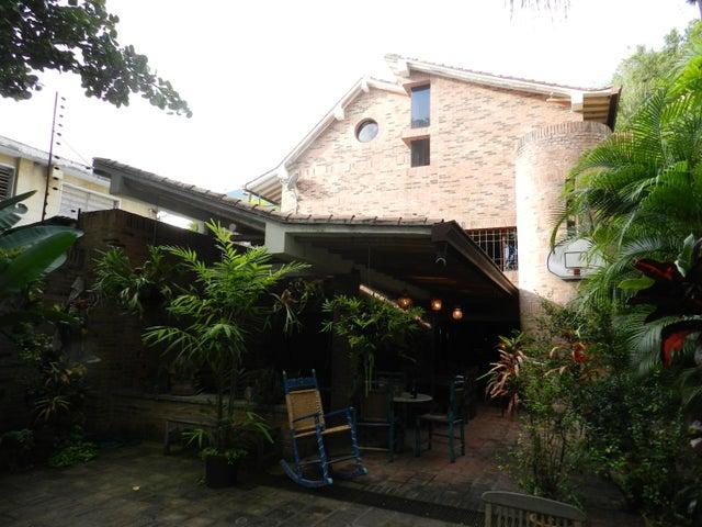 Casa En Venta En Caracas - Los Palos Grandes Código FLEX: 17-15511 No.0