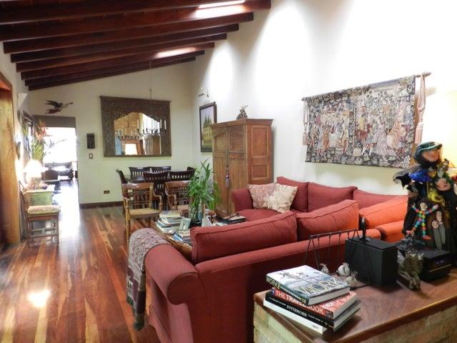Casa En Venta En Caracas - Los Palos Grandes Código FLEX: 17-15511 No.3