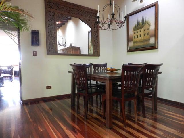 Casa En Venta En Caracas - Los Palos Grandes Código FLEX: 17-15511 No.6