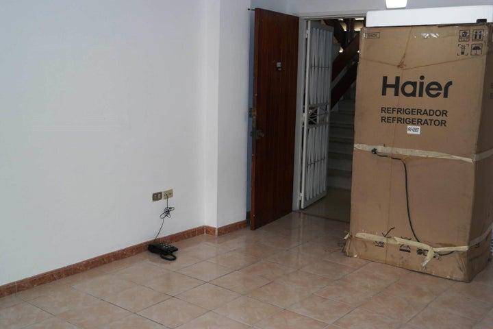 Apartamento En Venta En Caracas - Santa Monica Código FLEX: 17-15697 No.5