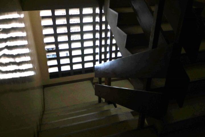 Apartamento En Venta En Caracas - Santa Monica Código FLEX: 17-15697 No.15