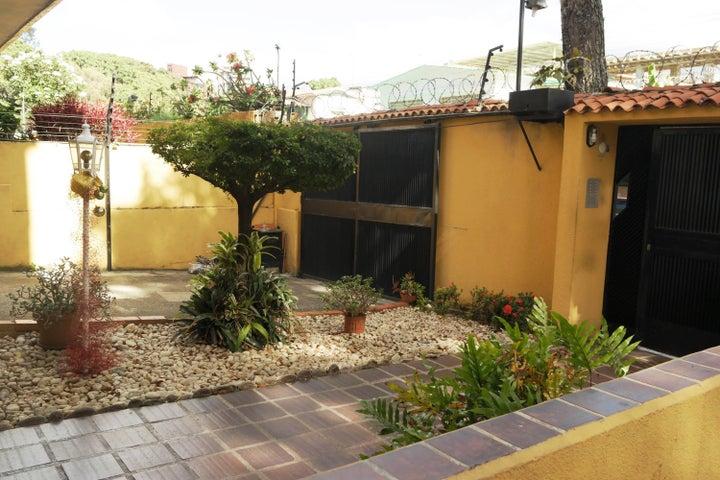 Apartamento En Venta En Caracas - Santa Monica Código FLEX: 17-15697 No.1