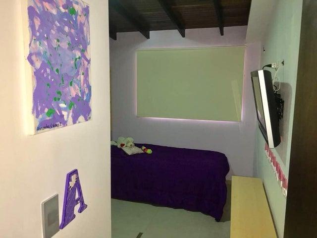 Apartamento En Venta En Caracas - Colinas de La Tahona Código FLEX: 18-345 No.17