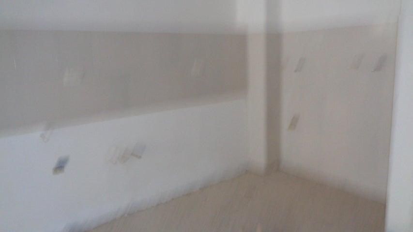 Apartamento En Venta En Caracas - Los Naranjos Humboldt Código FLEX: 18-840 No.3