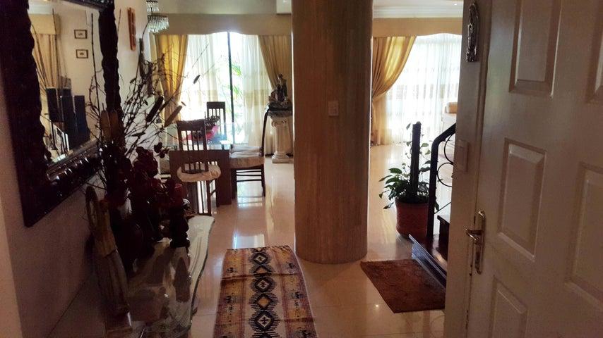 Apartamento En Venta En Maracay - La Soledad Código FLEX: 18-861 No.1