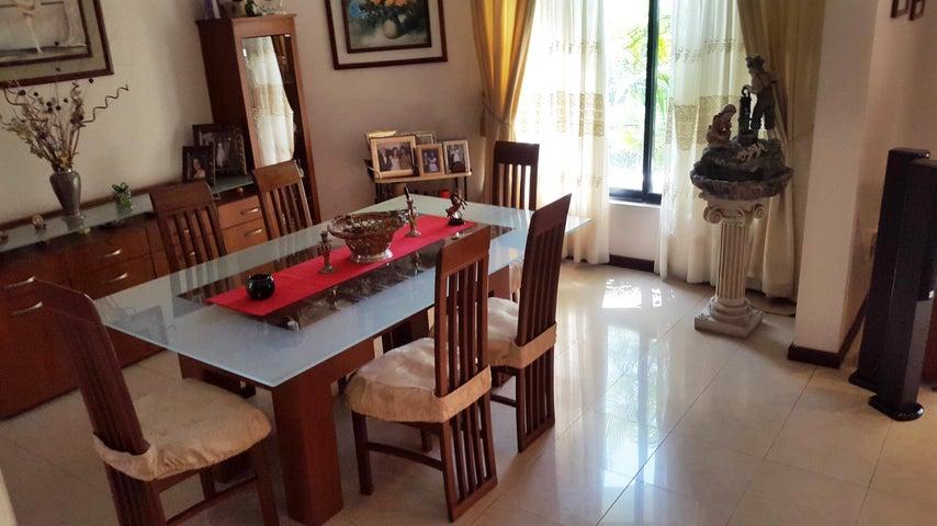 Apartamento En Venta En Maracay - La Soledad Código FLEX: 18-861 No.3