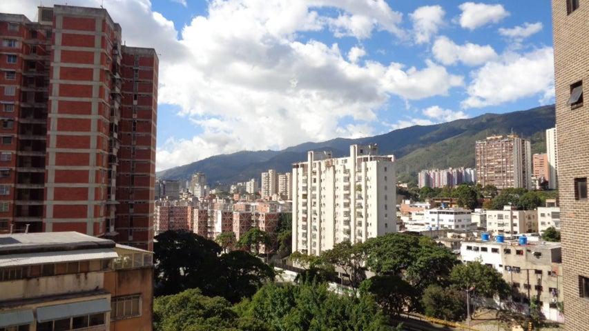 Apartamento En Venta En Caracas - Plaza Venezuela Código FLEX: 18-982 No.1