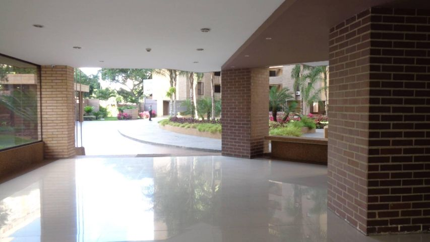 Apartamento En Venta En Caracas - Plaza Venezuela Código FLEX: 18-982 No.10