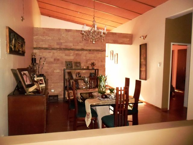 Casa En Venta En Maracay En El Castano (Zona Privada) - Código: 18-1057