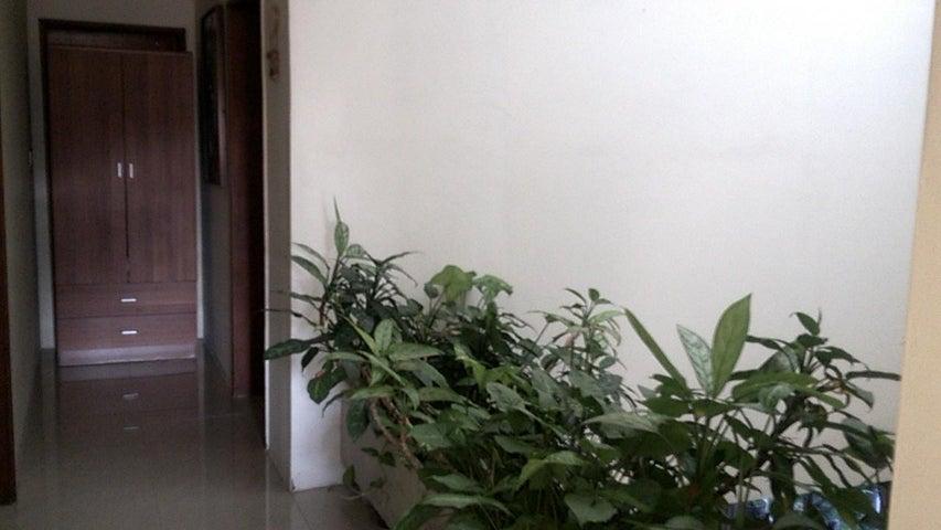 Casa En Venta En Maracay En La Soledad - Código: 18-1162