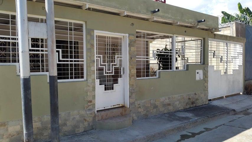 Casa En Venta En Palo Negro En Los Lirios - Código: 18-1498