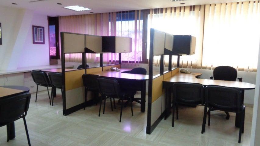 Oficina En Venta En Caracas - Chuao Código FLEX: 18-1594 No.3
