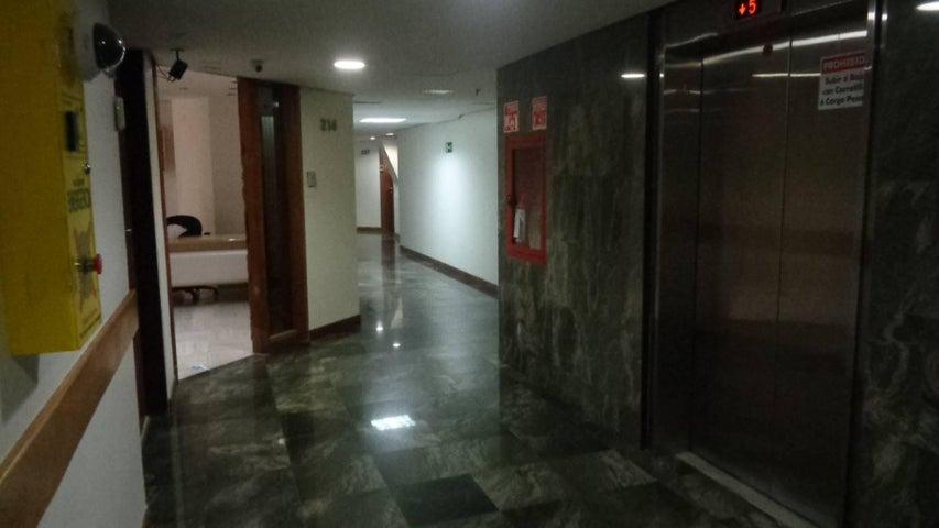 Oficina En Venta En Caracas - Chuao Código FLEX: 18-1594 No.11