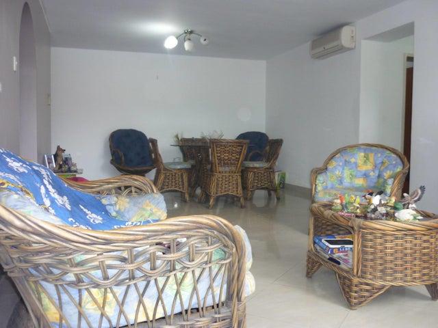 Apartamento En Venta En Maracay En El Limon - Código: 18-1611