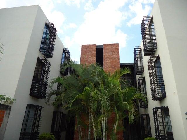 Apartamento En Venta En Guacara En Piedra Pintada - Código: 18-1767