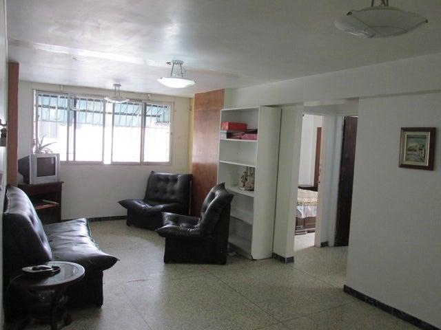 Apartamento En Venta En Caracas - Parroquia Santa Teresa Código FLEX: 18-2032 No.3