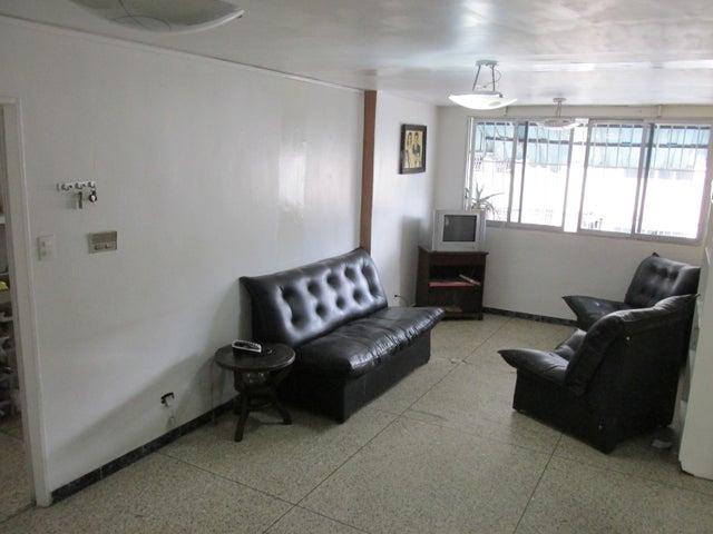 Apartamento En Venta En Caracas - Parroquia Santa Teresa Código FLEX: 18-2032 No.4