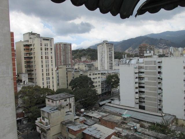 Apartamento En Venta En Caracas - Parroquia Santa Teresa Código FLEX: 18-2032 No.9