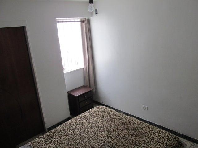 Apartamento En Venta En Caracas - Parroquia Santa Teresa Código FLEX: 18-2032 No.16