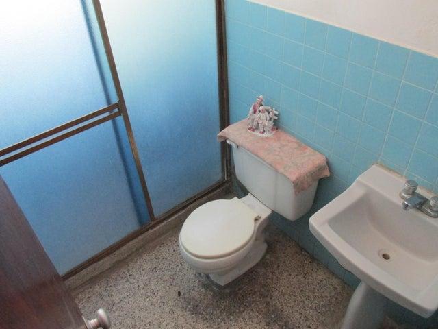 Apartamento En Venta En Caracas - Parroquia Santa Teresa Código FLEX: 18-2032 No.17