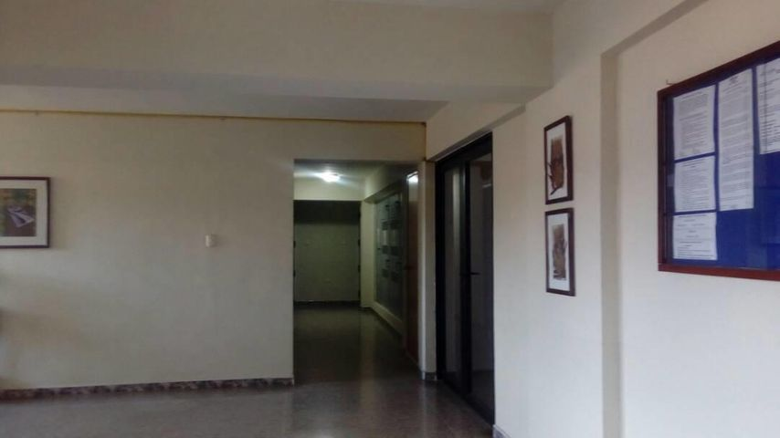 Apartamento En Venta En Municipio Naguanagua En Tazajal - Código: 18-2034
