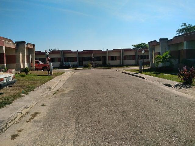 Casa En Venta En Valencia En Flor Amarillo - Código: 18-2076