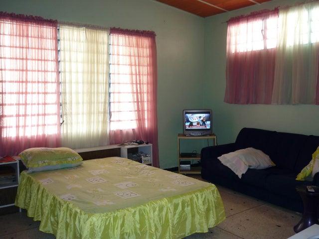 Casa En Venta En Maracay En El Limon - Código: 18-2193