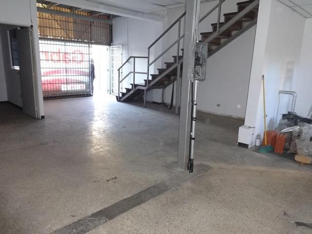 Local Comercial En Venta En Caracas - La Urbina Código FLEX: 18-4103 No.3